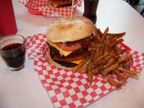 """La graisse de bacon sert à cuire les frites au """"Heart Attack Grill"""""""