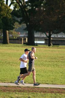 Chaque semaine, un adulte devrait faire 2 heures et demi de sport